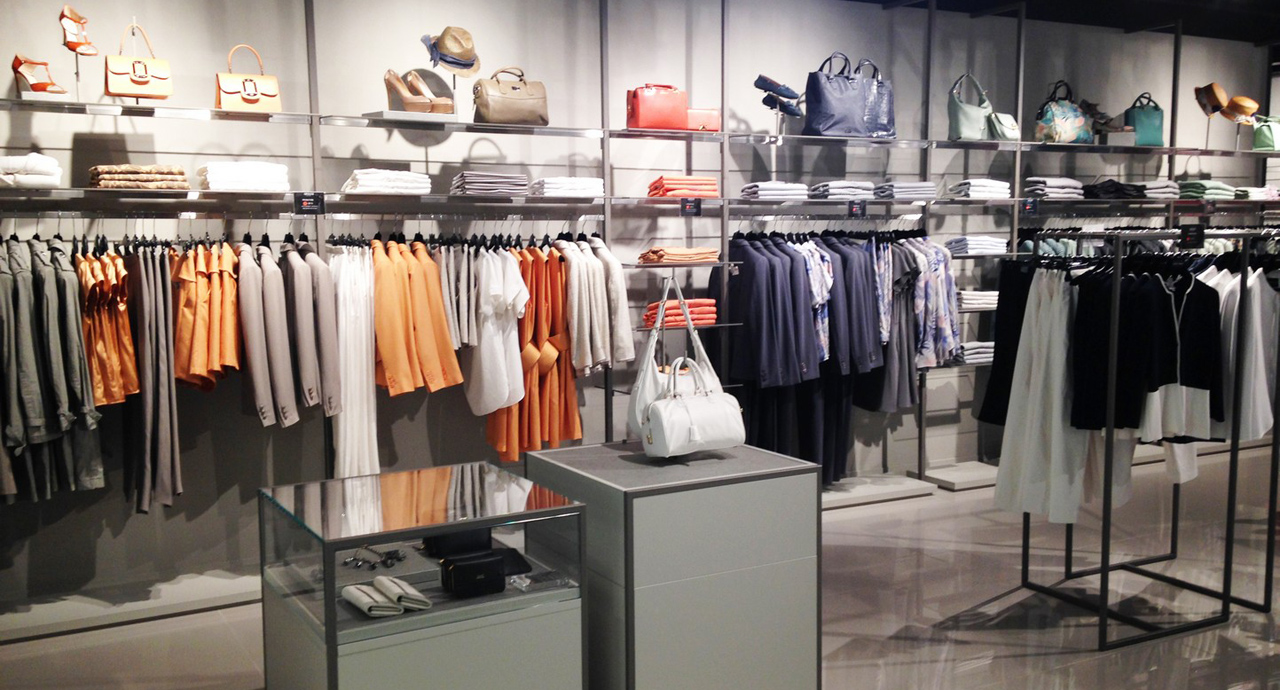 Armani outlet milan for Armadi outlet milano