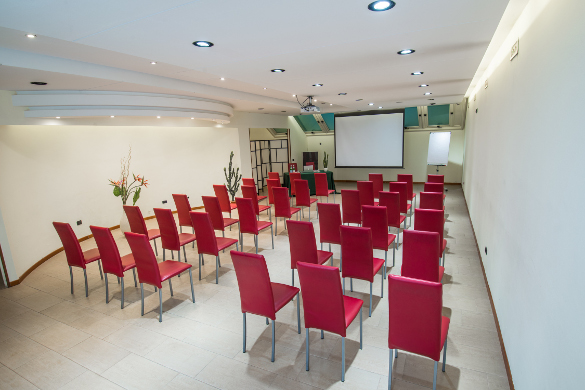 Hotel with meeting rooms near Milan