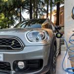 hotel con stazioni di ricarica per veicoli elettrici e ibridi